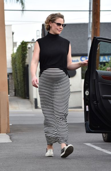 The Best Pregnant Celebrity Street Style  b00cd9f206
