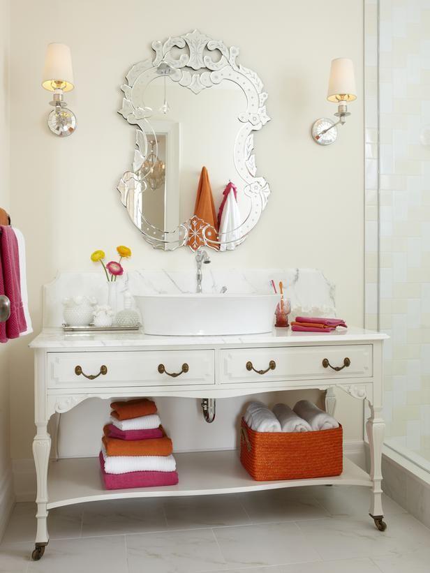 13 Dreamy Bathroom Lighting Ideas | Cottage style bathrooms, Cottage ...
