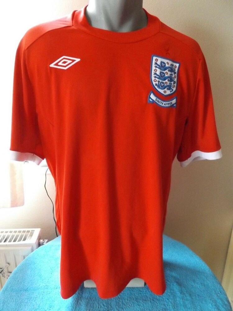 Pin By Stottpaula On England Tops In 2020 England Football Shirt England Soccer Jersey Retro England Shirt