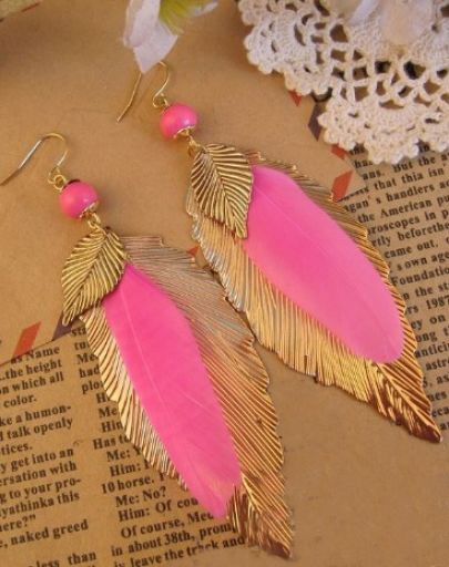 ¡Hermosos! Pink Feather Gold Leaves Dangle Earrings pictures