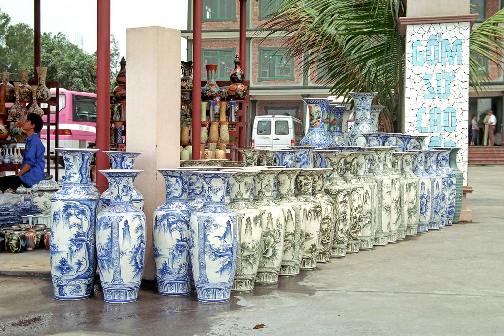 https://flic.kr/p/4T97Bi | Pottery | Pottery on the way from Halong to Hanoi - Töpferei auf dem Weg von Halong nach Hanoi