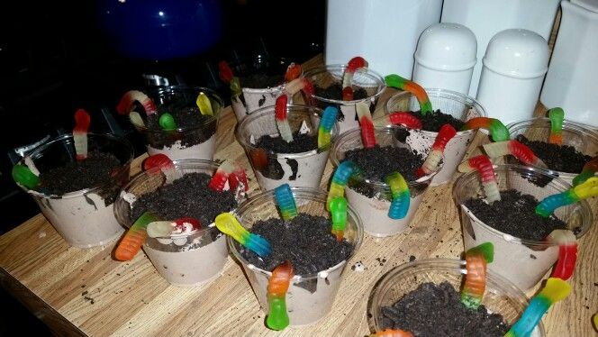 """Kids Construction Party - dessert treat """"worms in dirt"""""""