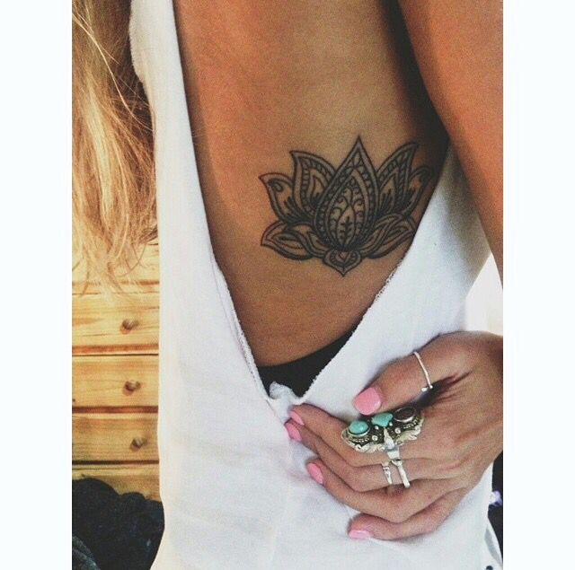 Beautiful Lotus Flower Rib Tattoo Flower Tattoo On Ribs Tiny Tattoos Tattoos And Piercings