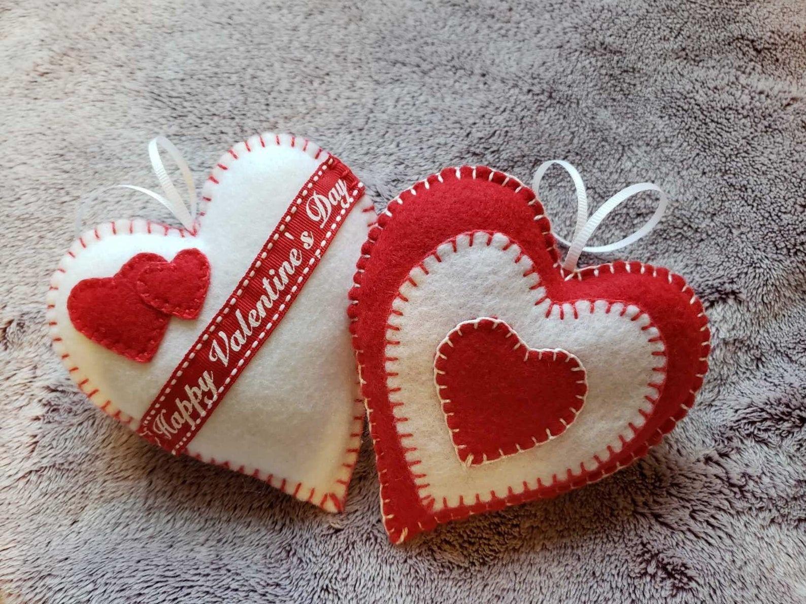 Valentines Day Decor Hanging Hearts Felt Hearts Felt Etsy Diy Valentines Decorations Felt Hearts Valentine Crafts