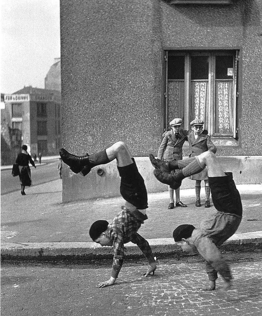 """letaobloquista: """" Robert Doisneau, Brothers, 1934 © Atelier Robert Doisneau """""""