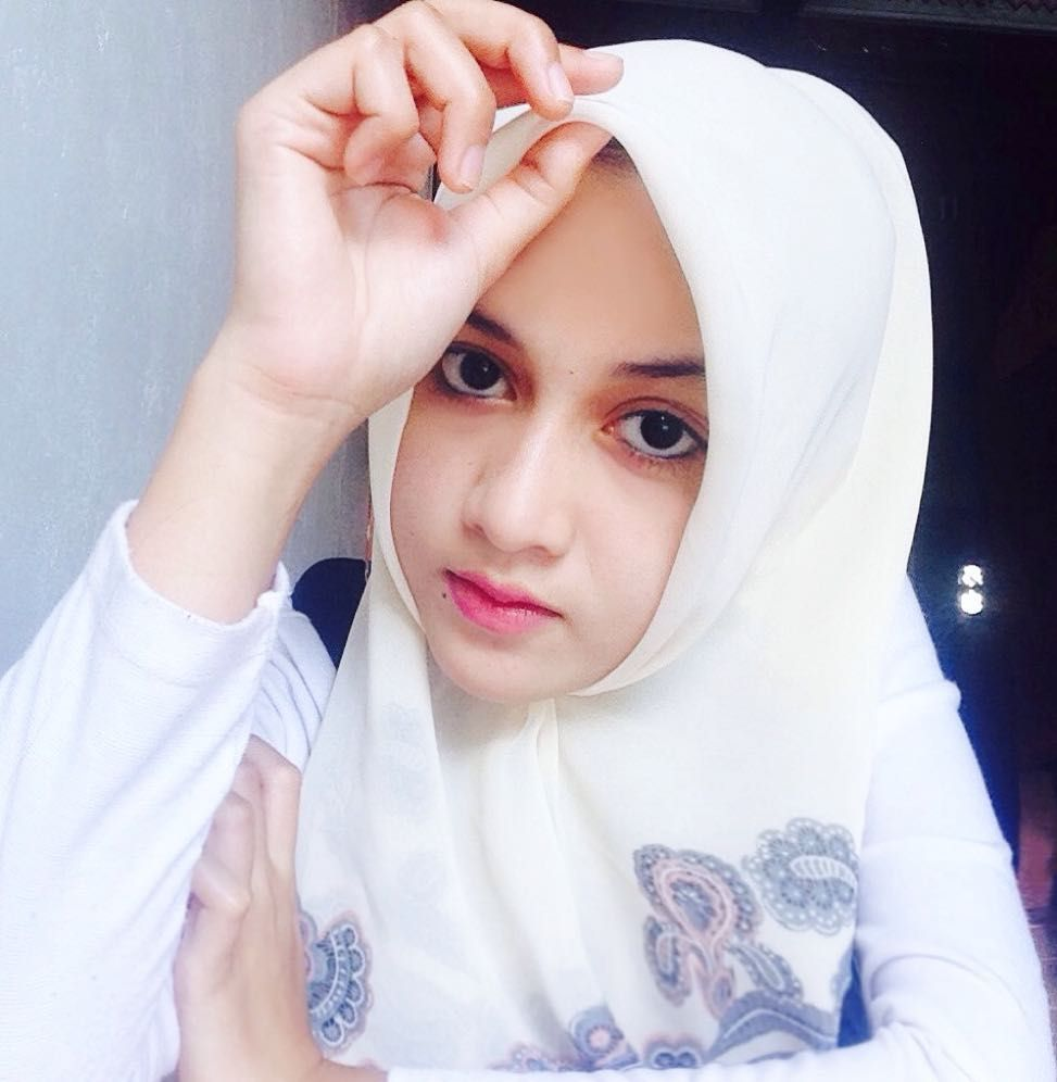 Nova Mauliaty On Instagram Love Yourself You Re All You Have Gaya Hijab Gadis Cantik Gadis Live chat room girls