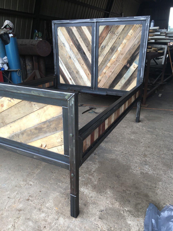 Reclaimed Wood Industrial Bed By Ashomedesigns On Etsy Modern  # Muebles De Heereria