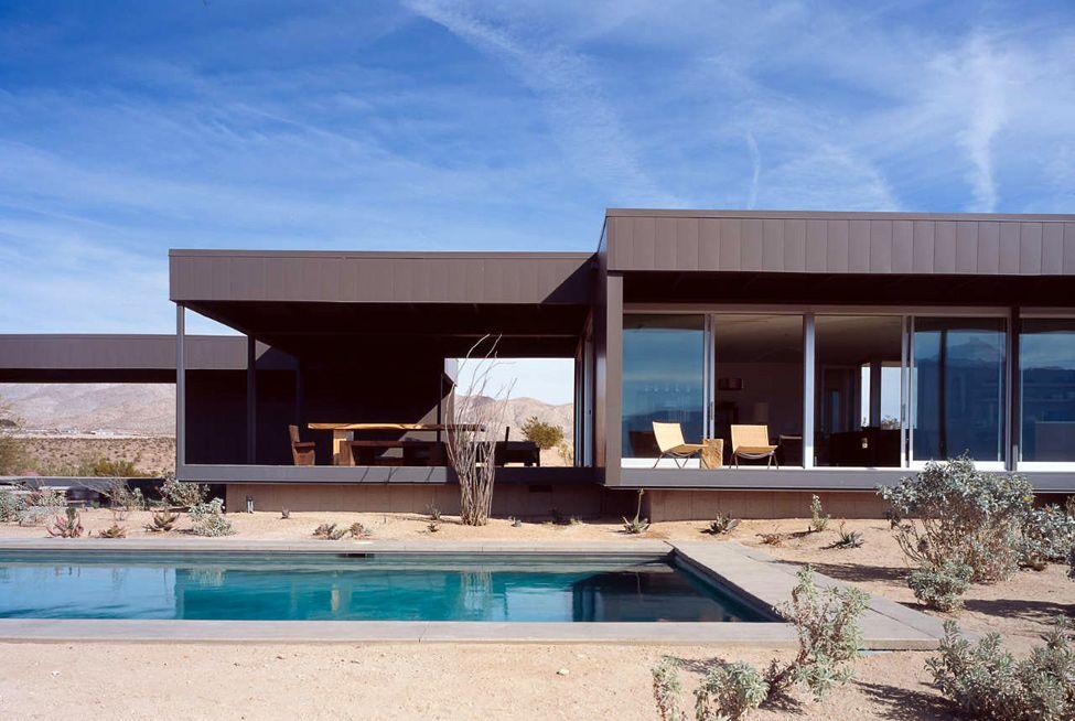Desert House La Maison Dans Le Desert Par Marmol Radziner Decoration Maison Meubles Maison Jardin Et Design I Maison Plain Pied Maison Construction Maison