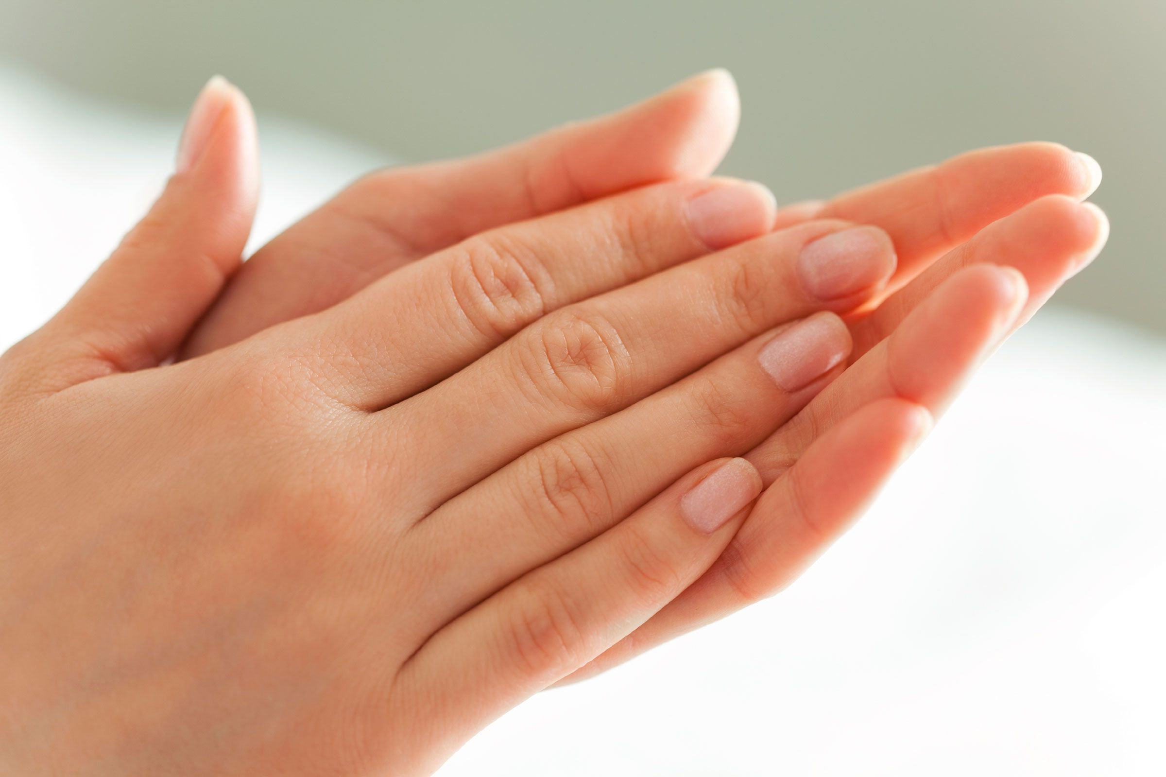 10 Surprising Conditions Your Hands Might Predict Crema Para