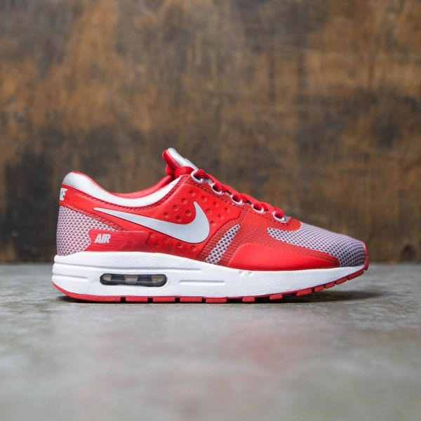 Inspired by early sketches of the Air Max 1, the Boys' Nike