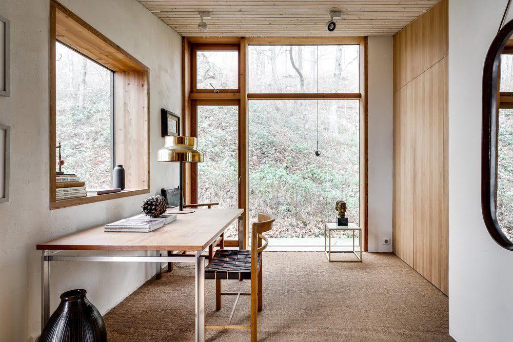 Futuristiskt och naturnära i den arkitektritade villan