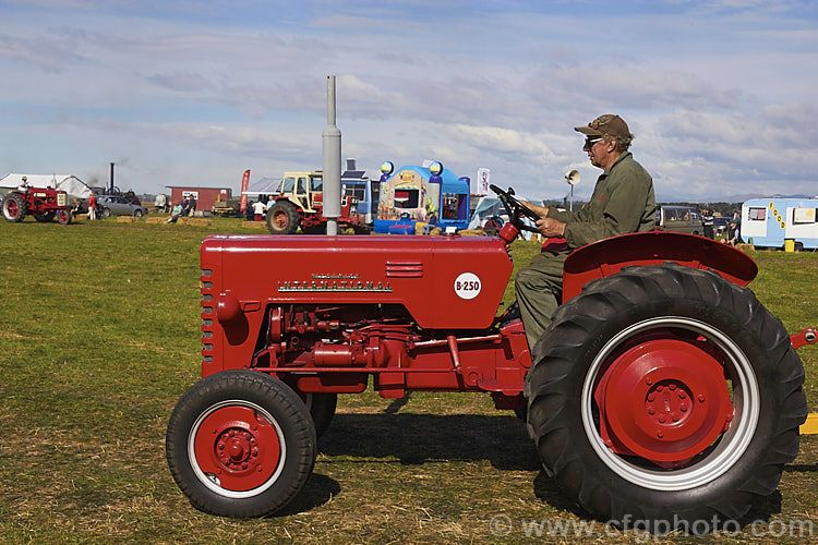 a fully restored 1957 international b250 tractor this model was rh pinterest com John Deere Tractor Manuals Tractor Owners Manuals
