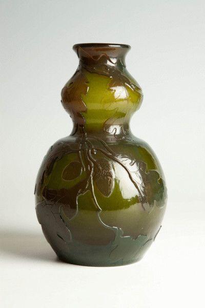 Galle vase with oak pattern firepolished