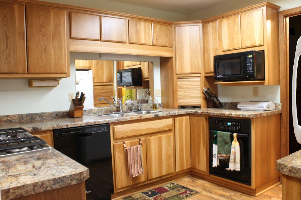 Stunning Kitchen | Hickory kitchen cabinets, Hickory ...