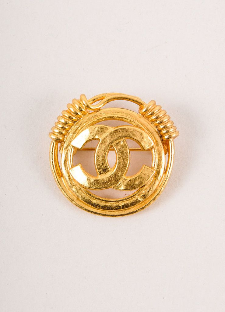 """Gold Toned Twist Coil Round """"CC"""" Logo Pin Brooch – OMG I NEED THIS!!!!"""