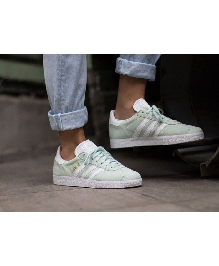 hot sale online 8eb19 e252c Mens Adidas Gazelle Ice Mint White Gold Metallic Trainer