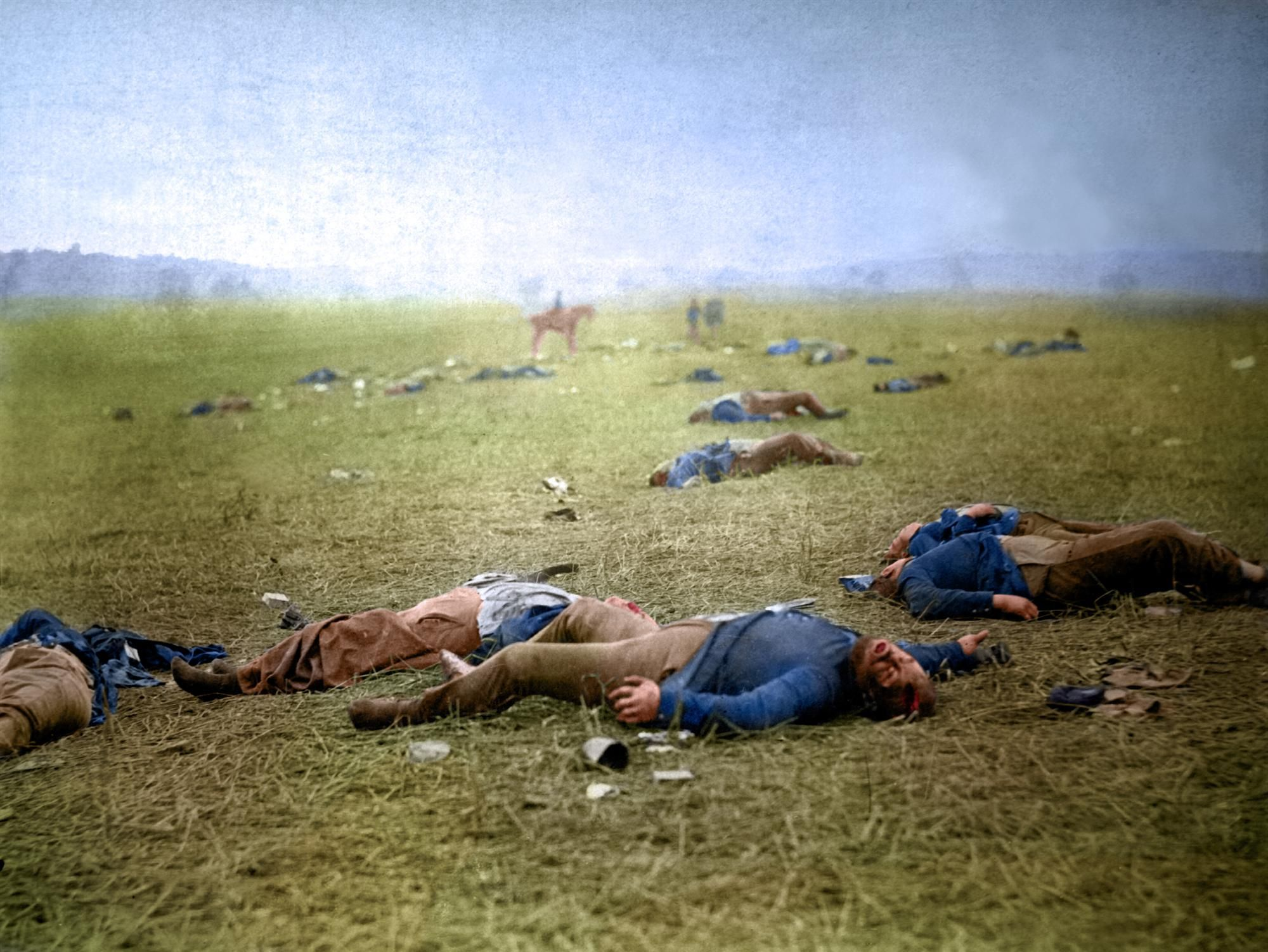 best civil war battle gettysburg pa images federal dead on the field of battle of first day gettysburg pennsylvania mathew brady 1863 one of the earliest war photographs this sobering look at
