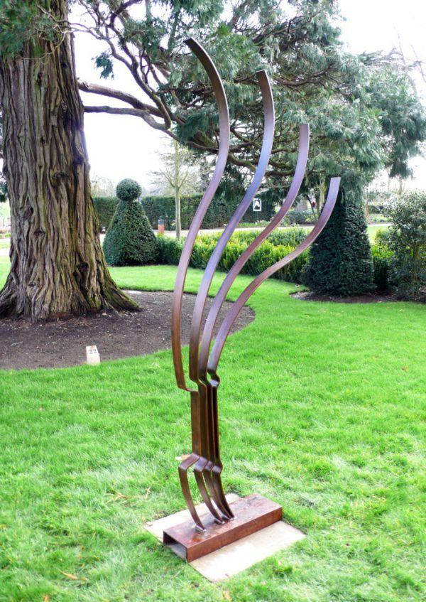 Steel #sculpture by #sculptor Philip Melling titled \u0027Recurve