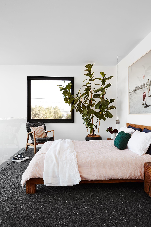 Schlafzimmer gemütlich modern  Clever conversion of a historic Melbourne corner shop | Schlafzimmer ...