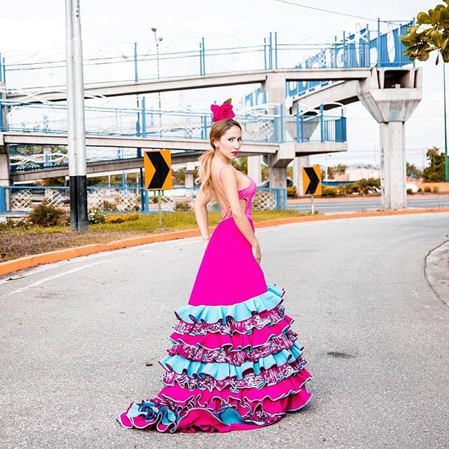 """, Agosto 29, 2016 ★ Buenos días Flanatikos! ★ 💥Activa las notificaciones para que no te pierdas ninguno de nuestros post💥 ┈┈┈┈┈┈┈┈┈┈┈┈┈┈┈┈┈┈┈ ❖ BAILAORA DE LA  DE  SEMANA ❖ ┈┈┈┈┈┈┈┈┈┈┈┈┈┈┈┈┈┈┈ 💢 Demuéstrale tu apoyo dando LIKE ❤️💢 ┈┈┈┈⠀⠀⠀⠀⠀⠀⠀⠀⠀⠀⠀⠀ ✪ Bailaora: Nathaly Colmenares ✪ IG: @Nathalycc ✪ Barquisimeto, Edo. Lara - Venezuela ✪ Escuela de Arte y Flamenco Andalucía @andalucia_flamenco2012 ✪ Foto 📸 por: @mariadavidatencio ┈┈┈┈ ★ Nathaly nos cuenta: ┈┈┈┈┈┈┈┈┈┈┈┈┈┈┈┈┈┈┈ """"Comencé a…"""