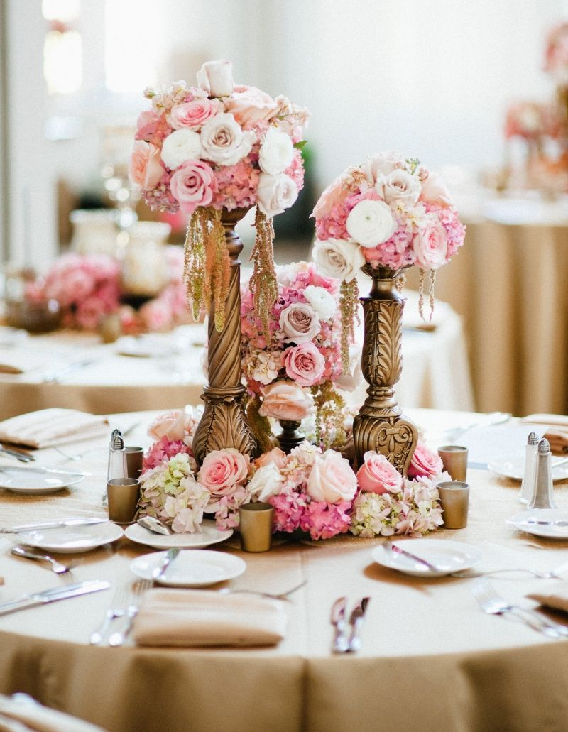 Wedding decorations gold and pink  SerafimauJeff  Centerpieces Gold and Romantic