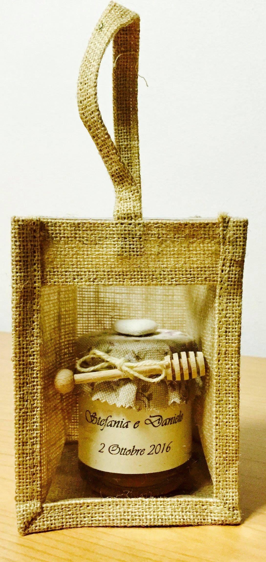Bomboniera miele con spargimiele in legno e sacchetto in ...