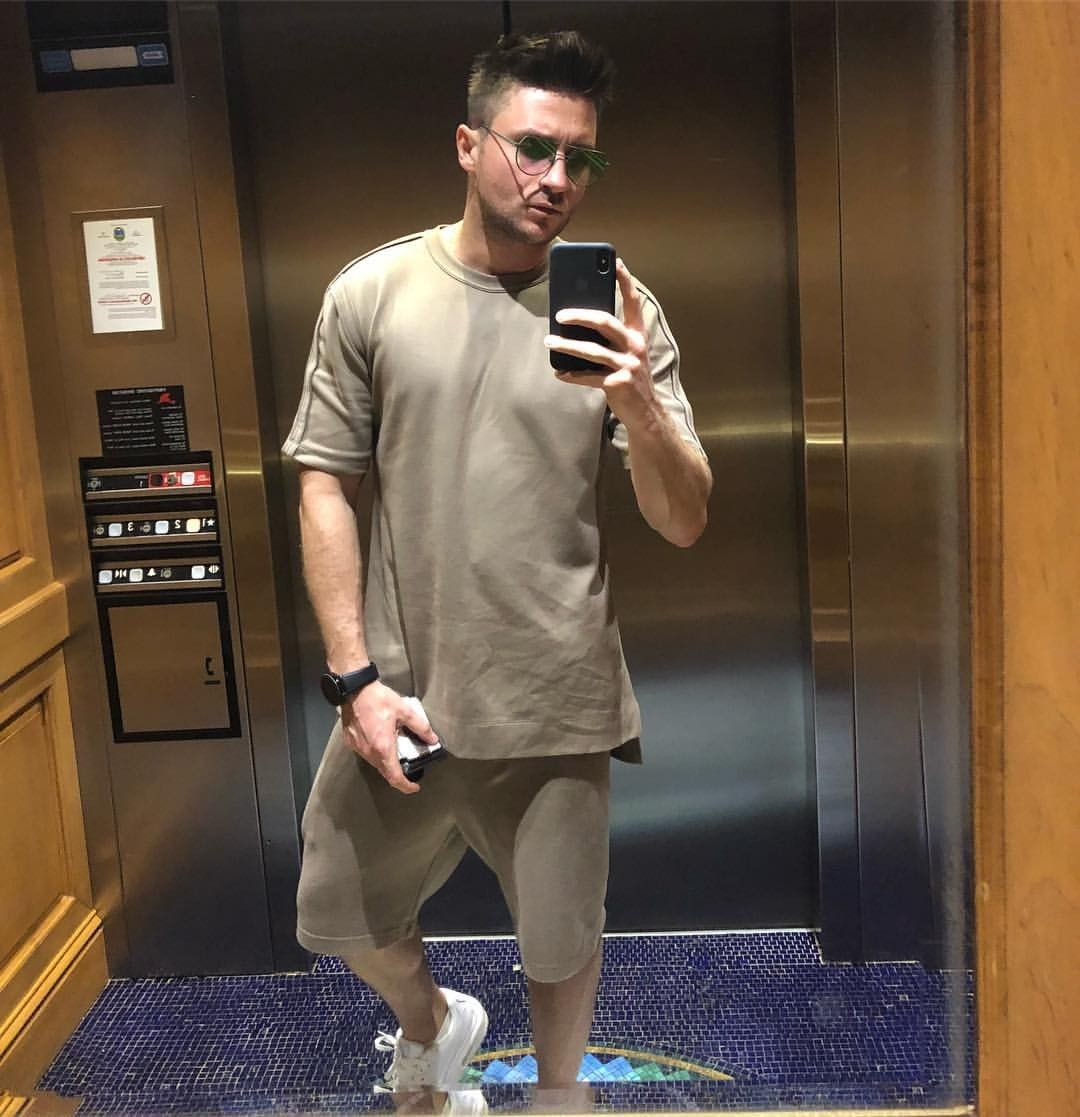 Sergey Lazarev in the clothes of the Pope was shocked by fans 18.04.2018 32