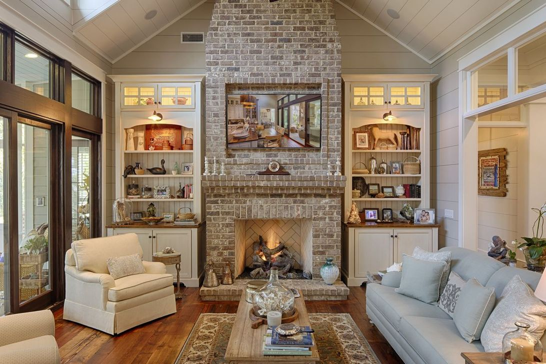 Awesome 43 Rustic Brick Fireplace Living Rooms Decorations ...