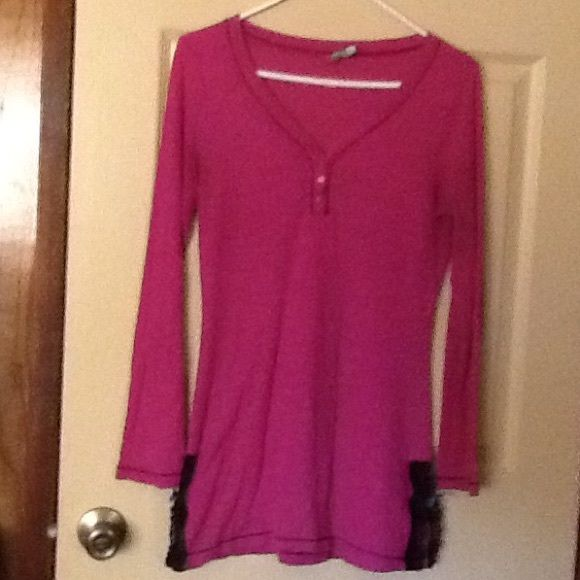 Honey Dew Long Sleeve Shirt This long sleeve shirt is size Medium.  It has a ribbed material and color is light purple.. Price is firm Honey Dew Tops