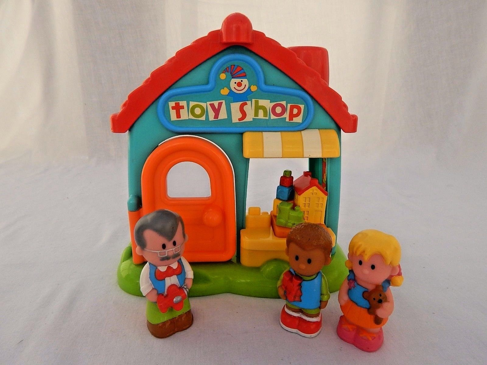 Early Learning Centre Happyland Toy Shop With Sounds 3 Figures