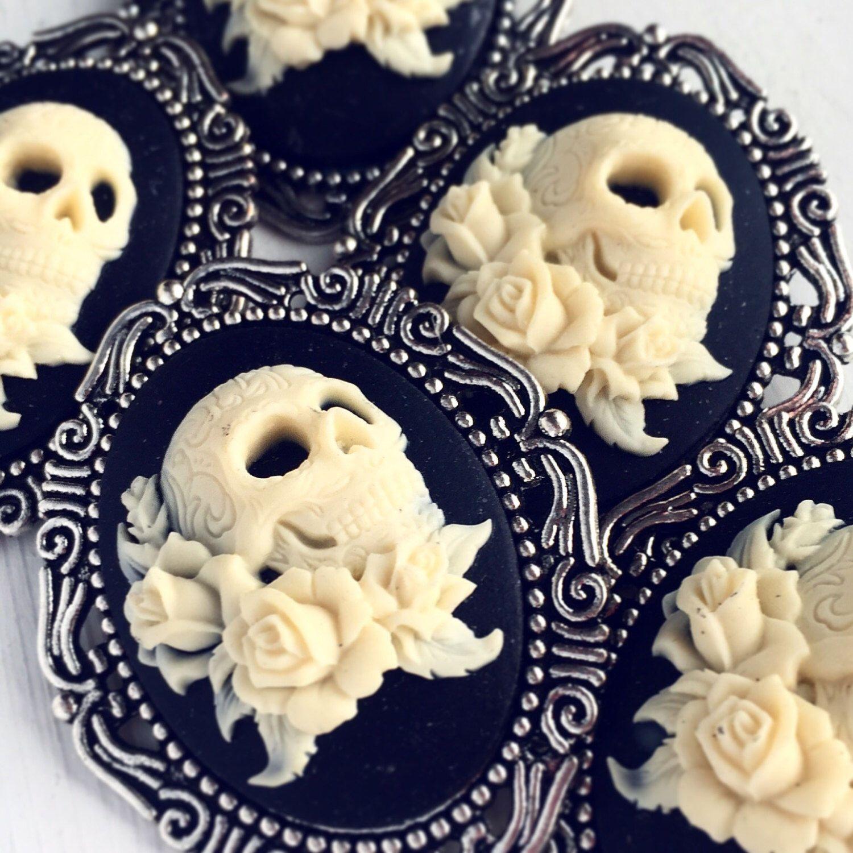 10 Brooches Skull And Rose Wholesale Cameo Pins / Boho Lot Weddings  Bridesmaids Bridal Party Favors