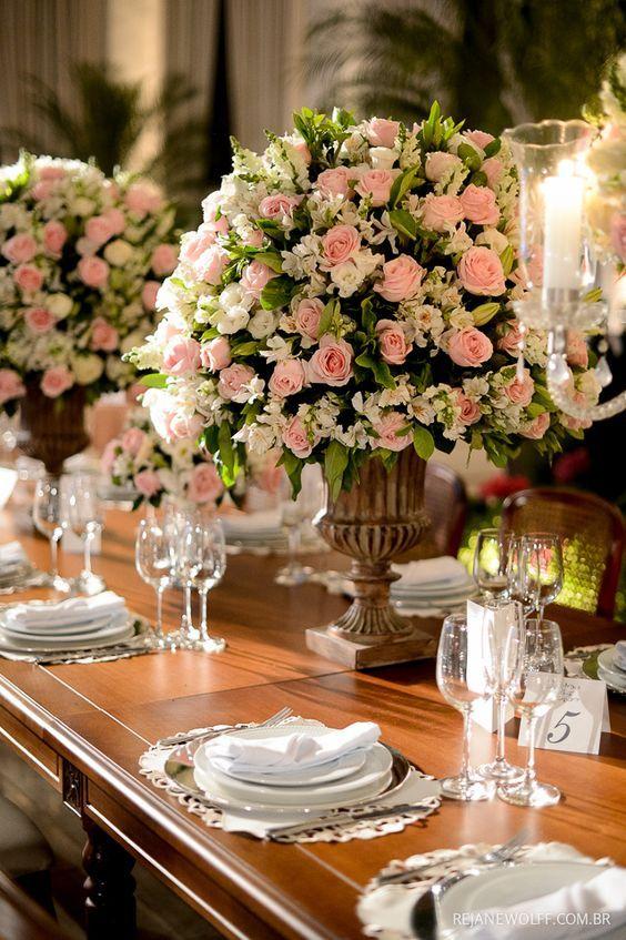 Delicadeza em rosa e branco Decoraç u00e3o André Bonesso Foto Rejane Wolff Casamento em 2019  -> Decoração De Casamento Na Igreja Rosa E Branco