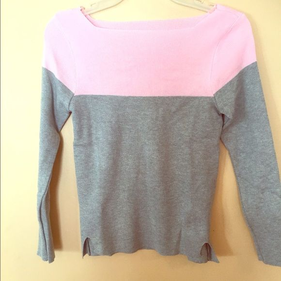 ⚡️⚡️flash sale one hour⚡️⚡️NWOT Pink gray sweater Super soft fitted sweater Sweaters Crew & Scoop Necks
