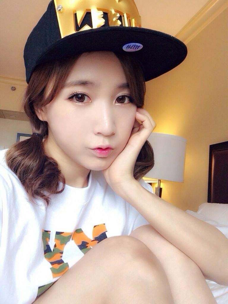 Happy 27th Birthday To The Lovely Heo Min Jin Choa Main Vocalist And Maknae For Crayon Pop And Th Happy 27th Birthday Pop Crayon