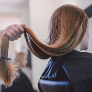 Extensiones de tornillo: esta es la forma de conseguir un pelo largo de sirena muy natural - Screw extensions: here´s how to score long, luscious mermaid hair naturally http://www.cosmopolitan.com/style-beauty/beauty/how-to/g3297/how-to-grow-your-hair-longer/
