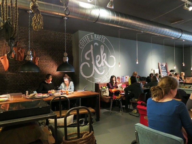 Kek Coffee & Crafts – an interesting concept store, espresso bar and lunchroom with a creative lunch menu. Follow this link to find out more! http://mikestravelguide.com/where-to-eat-when-in-delft/