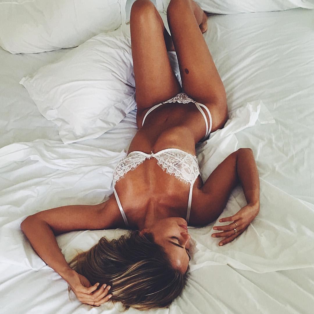 Topless Pics Claudia Sampedro naked photo 2017