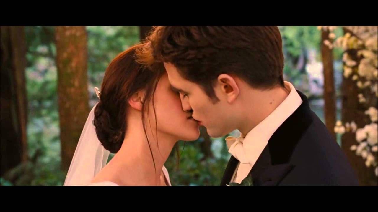 Twilight Breaking Dawn Part 1 Soundtrack Turning Page Twilight Breaking Dawn Breaking Dawn Edward Bella