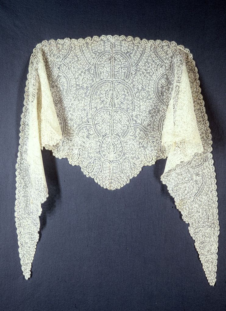 Shawl, 19th century, Russia, Peasant-style lace