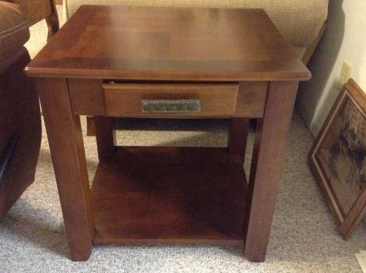 two end tables cherry or red mahogany tone great condition 2c rh pinterest com