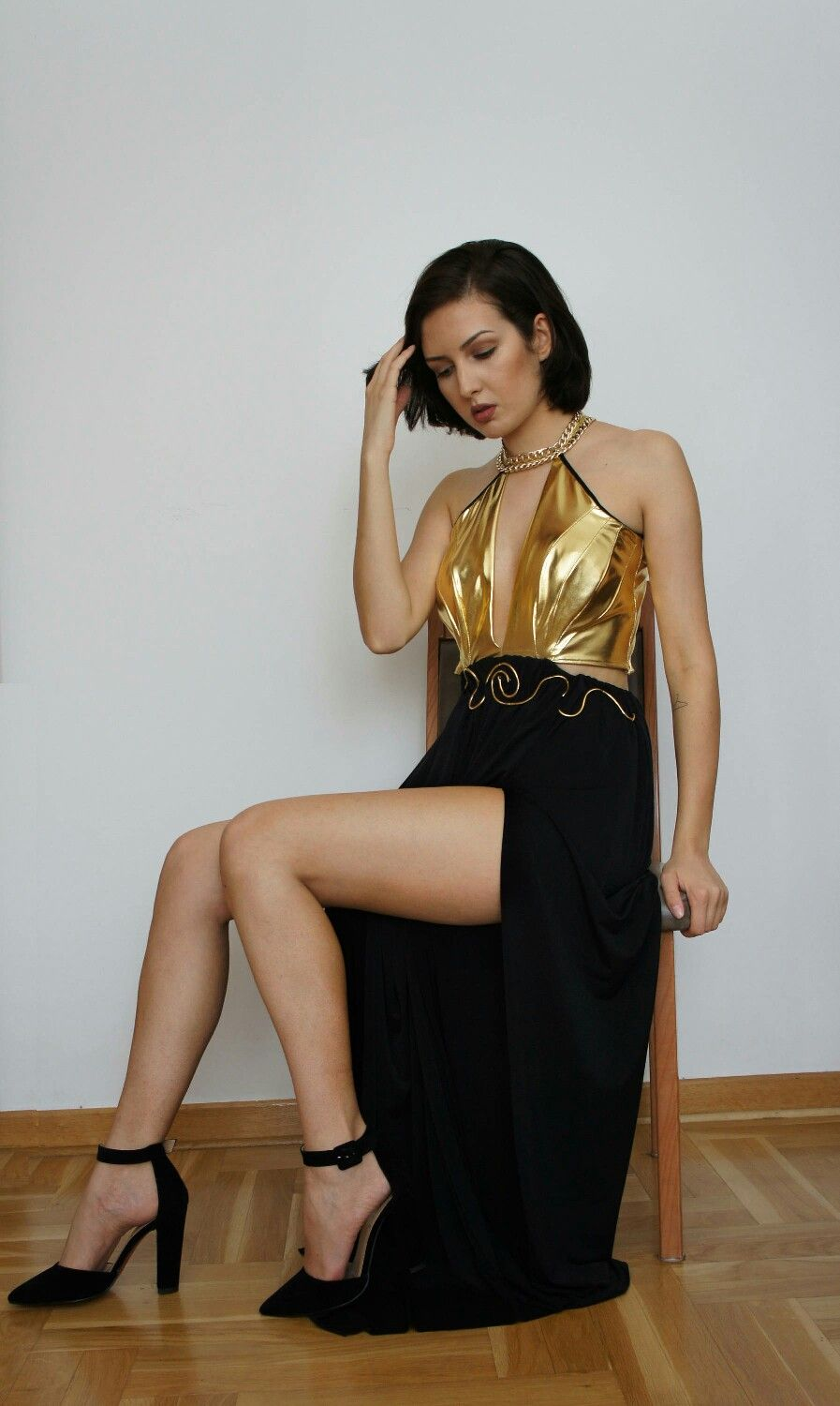 Cocktail gold and black dress for new yearus eve by clicking on