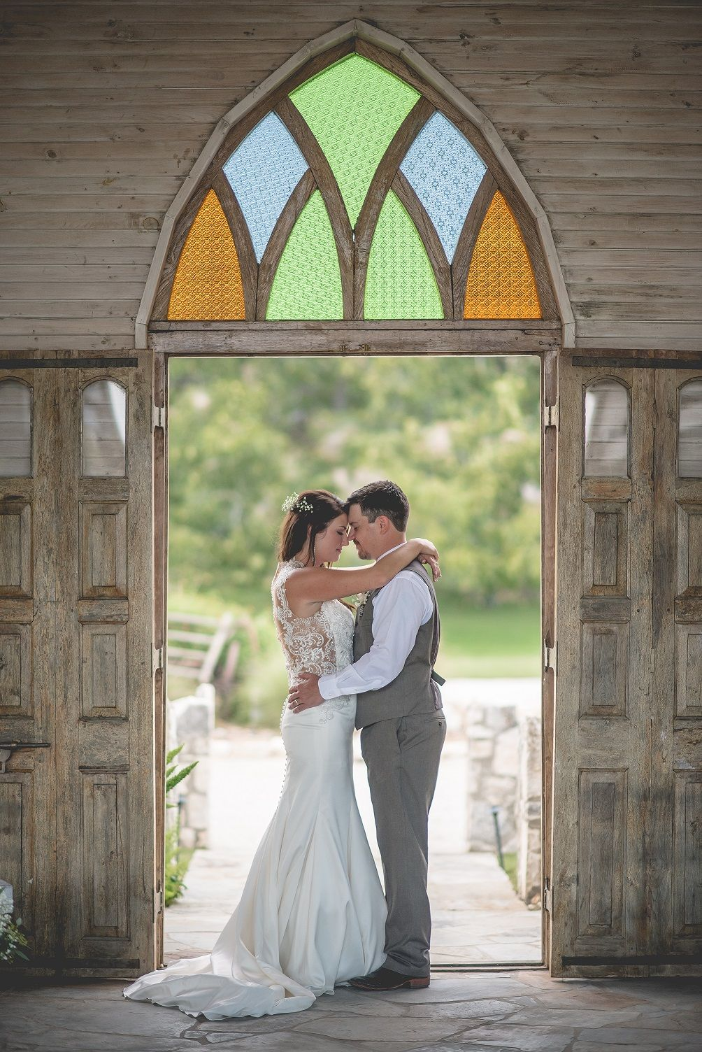 White Rustic wedding chapel in the Texas Hill Country ...