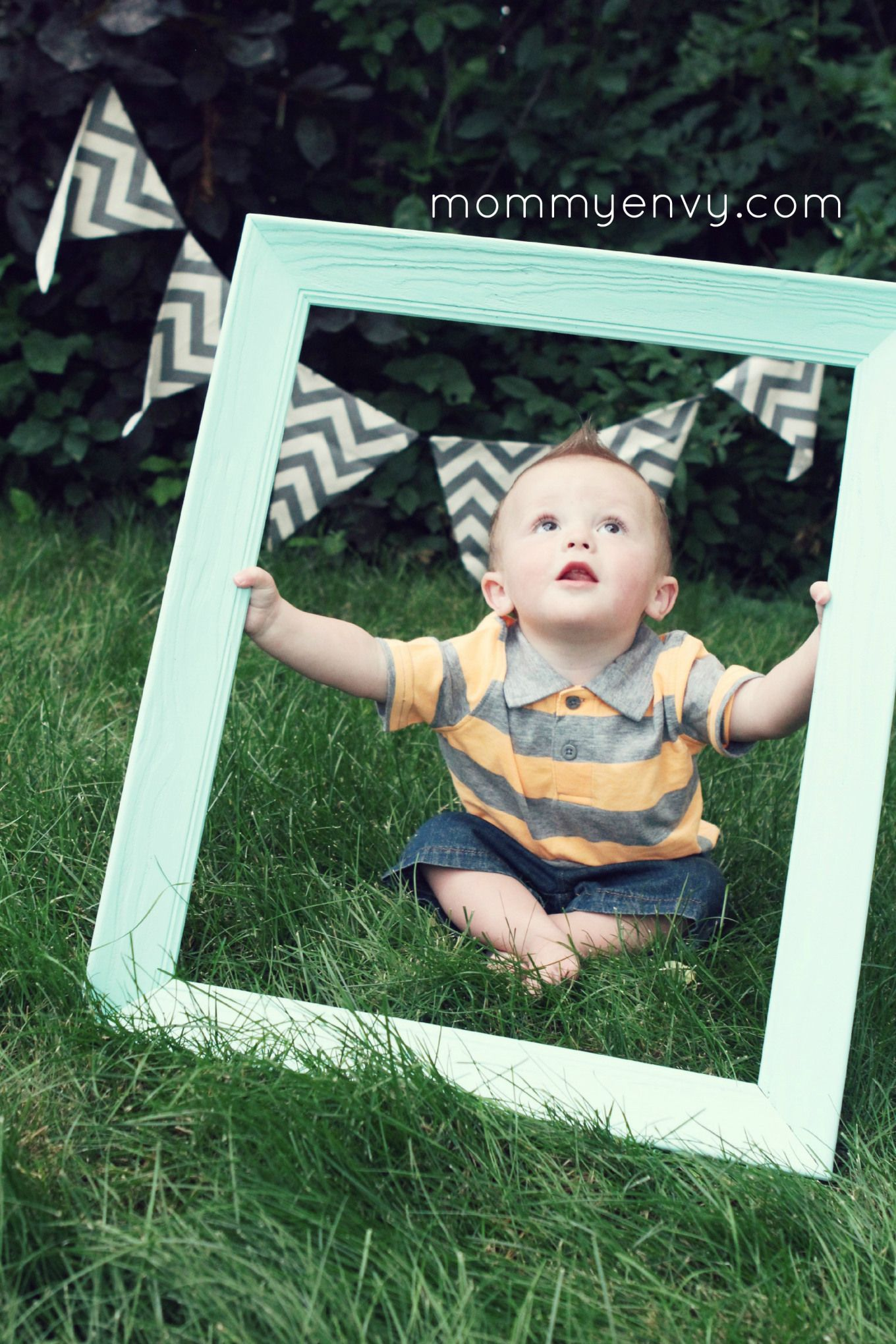 Cute Ideas For A Little Boy First Birthday Photoshoot