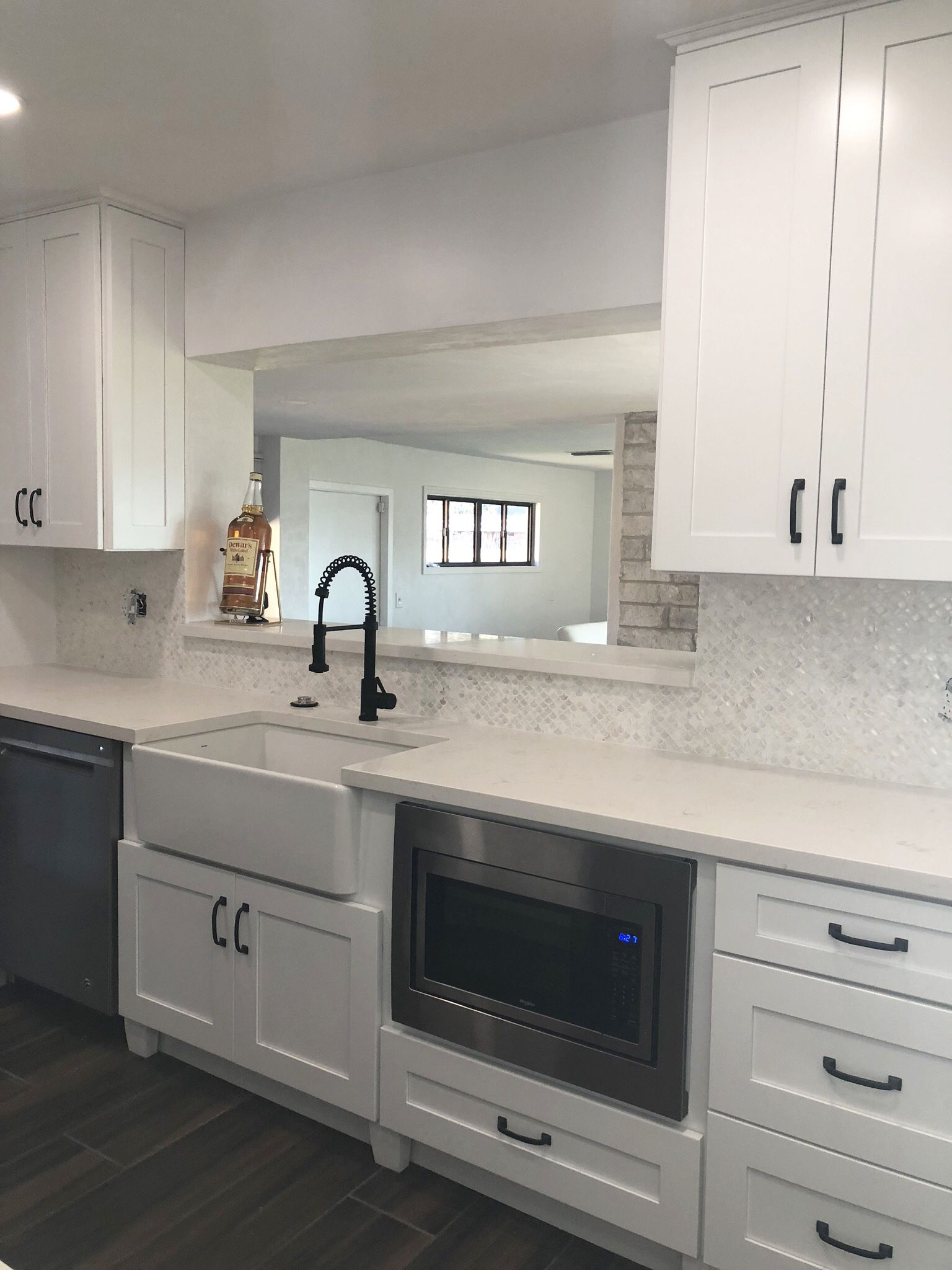 White Fish Scale Pearl Shell Tile Kitchen Backsplash Inspiration