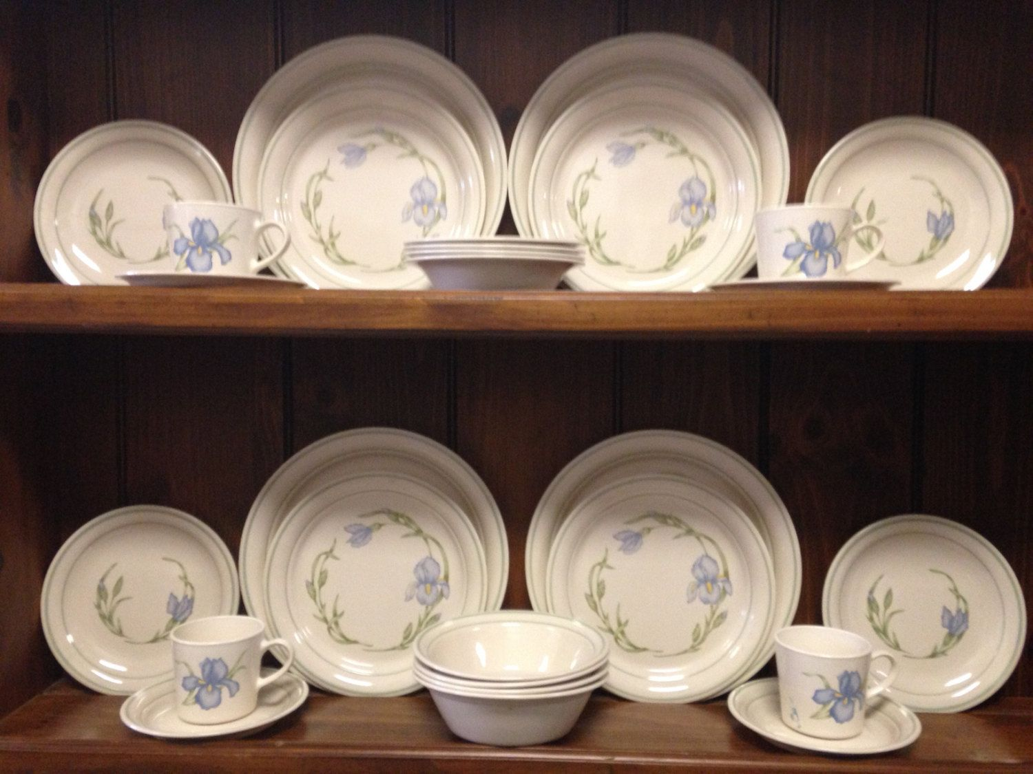 Corelle/Corning CORNERSTONE IRIS 28 Piece Dinnerware Set ~ Service for 4 by MountainMamaAntiques on & Corelle/Corning CORNERSTONE IRIS 28 Piece Dinnerware Set ~ Service ...