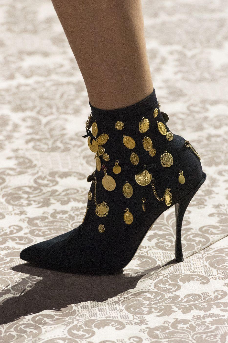 Dolce & Gabbana at Milan Fashion Week Spring 2019 i 2020