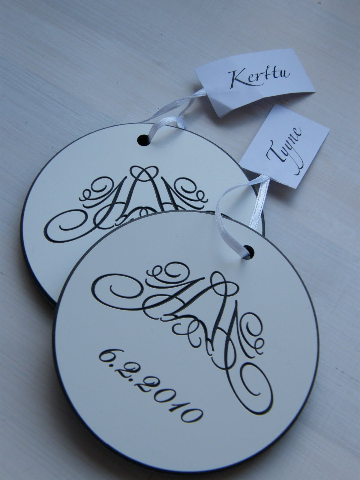 Wedding table decorations: coaster/name tag