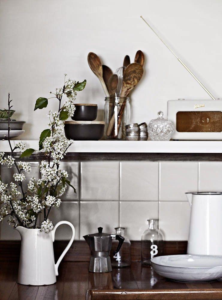 A fabulous grey Australian holiday home. Tracie Ellis.