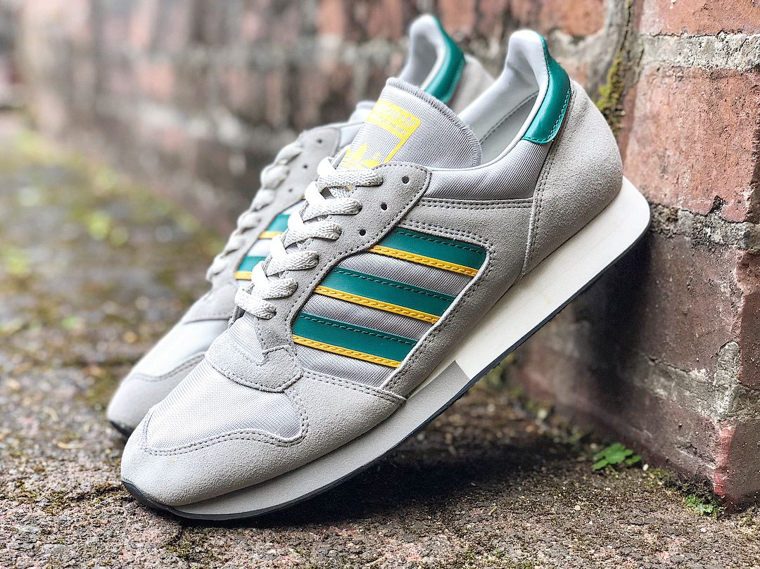 4ed27ce7a adidas Originals ZX 250 | Sneakers I Love | Adidas sneakers, Adidas ...