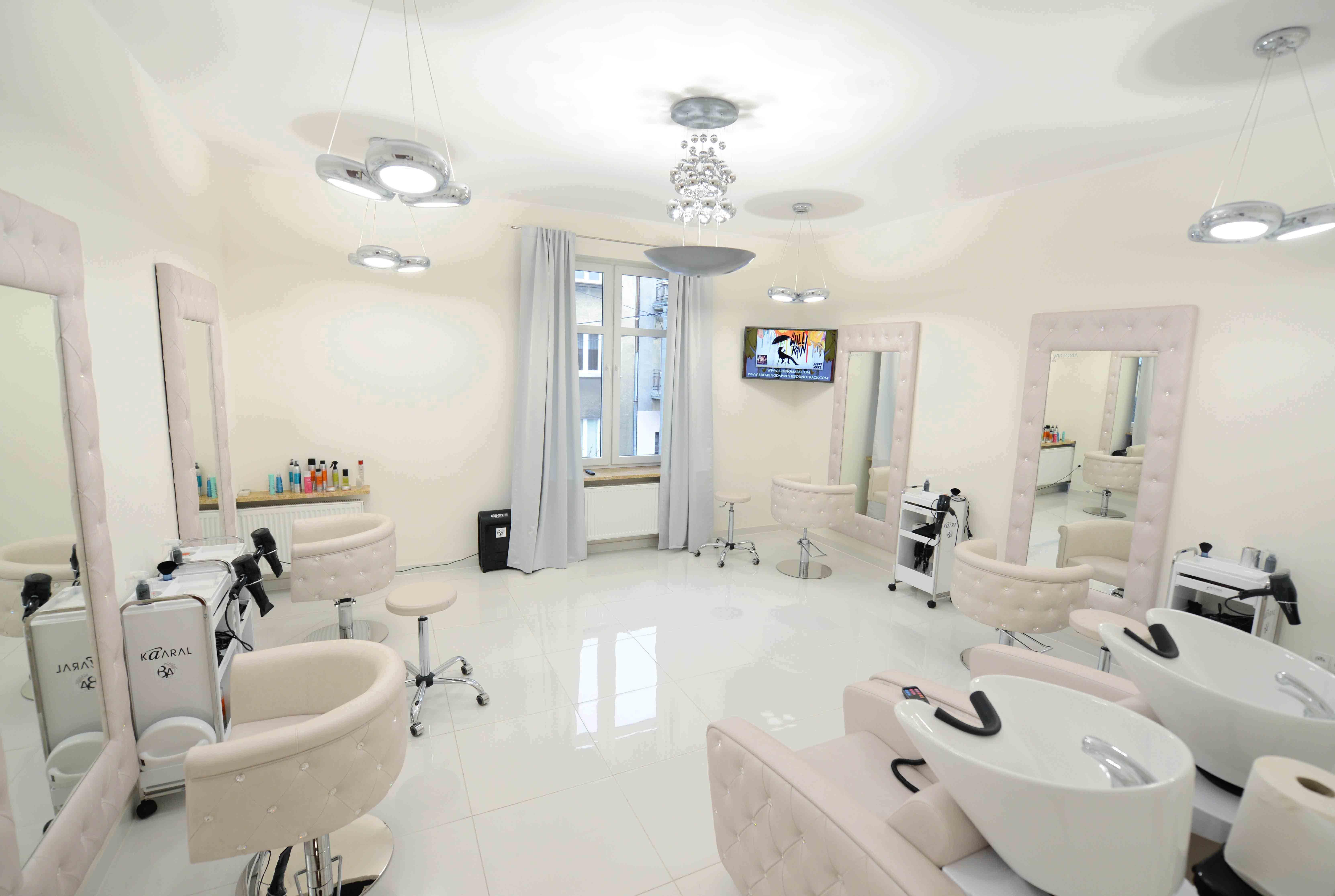 Hair Salon Studio Wiktoria P Poland Obesession Styling Chairs And Obsession Styling Units Made With Svarowski Crysta Salon Chairs Salon Design Salon Furniture